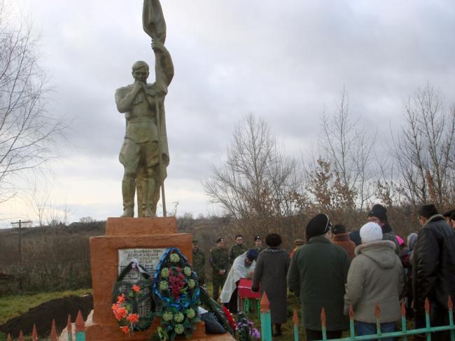 Памятник воинской славы в Пальцево Дмитриевский район